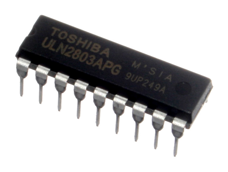 ULN2803A output stage chip